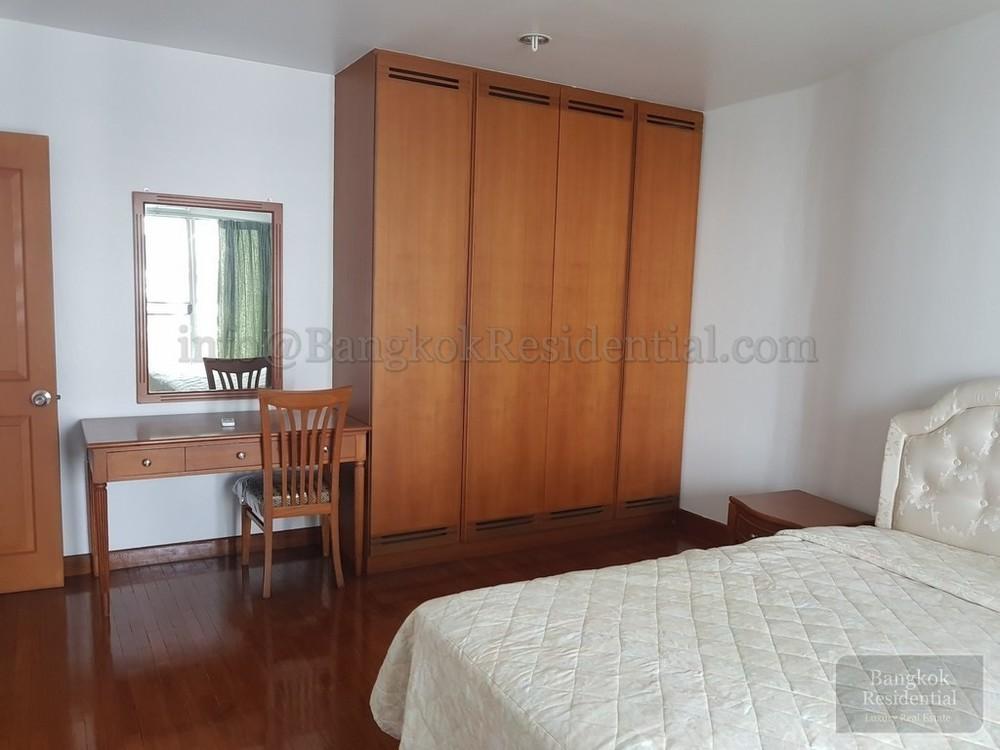 Baan Wannapa - For Rent 3 Beds Condo in Watthana, Bangkok, Thailand | Ref. TH-QAWNDSKP
