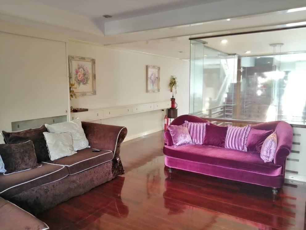 Продажа или аренда: Таунхаус с 3 спальнями в районе Khlong Toei, Bangkok, Таиланд | Ref. TH-ORNJOTRG