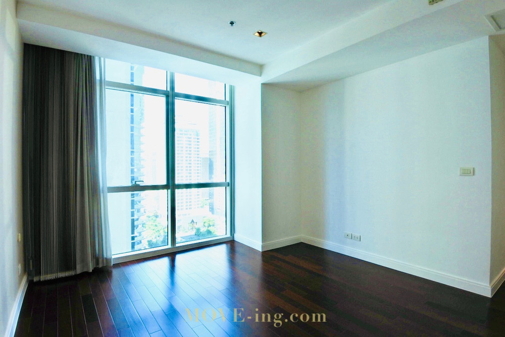 Athenee Residence - For Sale 2 Beds Condo Near BTS Phloen Chit, Bangkok, Thailand | Ref. TH-OQXBFMUG