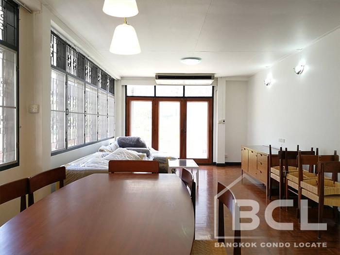 White Mansion - В аренду: Кондо с 2 спальнями возле станции BTS Phrom Phong, Bangkok, Таиланд | Ref. TH-CAFWITAY