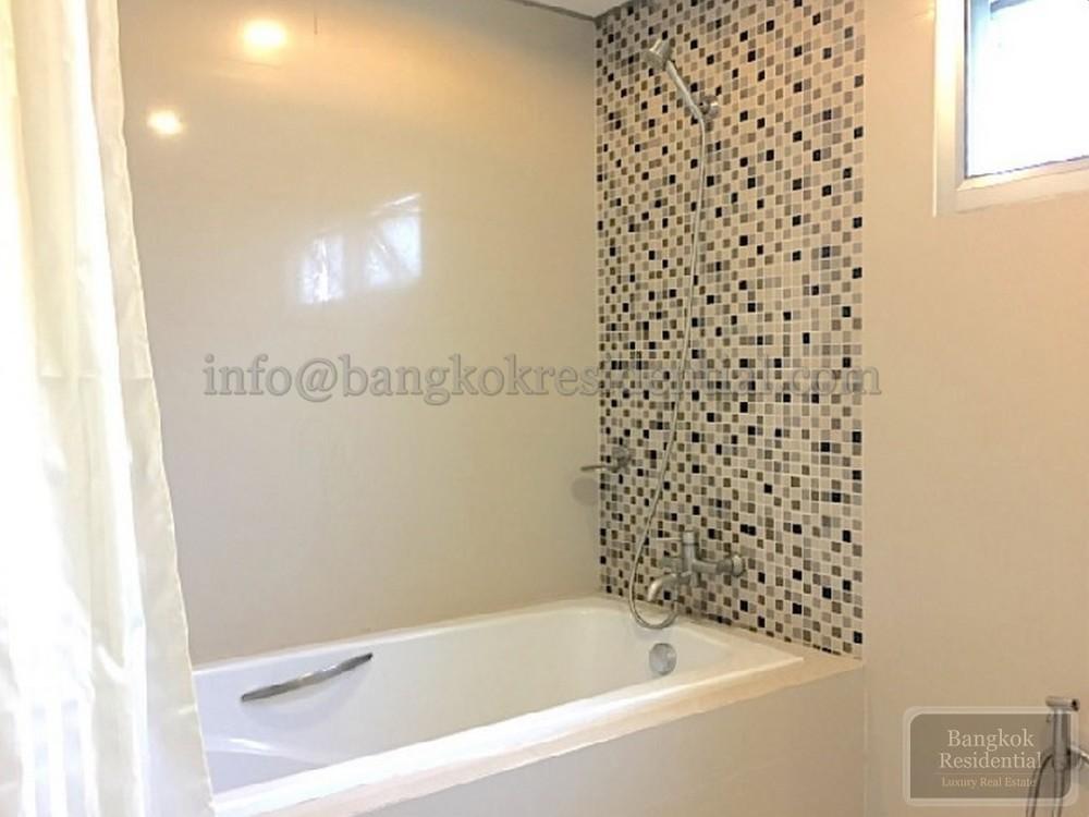 J Visut Place - For Rent 2 Beds Condo Near BTS Phrom Phong, Bangkok, Thailand | Ref. TH-DJZBHZAV