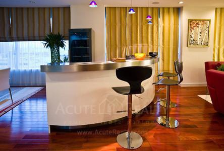 For Sale 4 Beds Condo in Watthana, Bangkok, Thailand