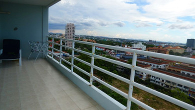 Located in the same building - View Talay 5