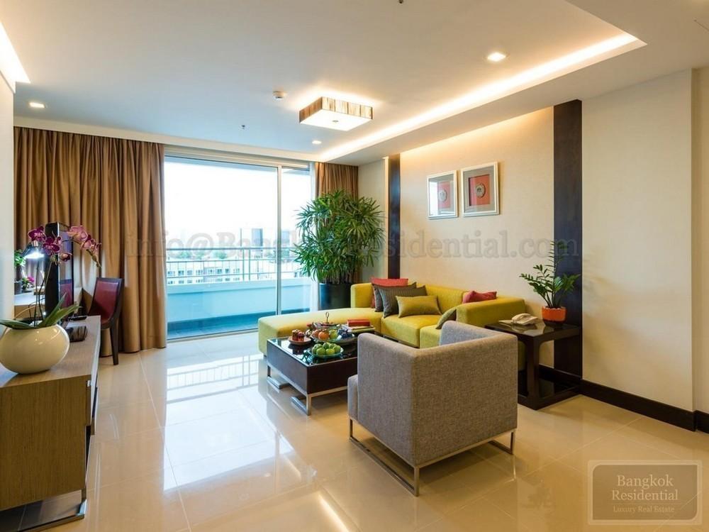 Jasmine Grande Residence - В аренду: Кондо с 3 спальнями в районе Khlong Toei, Bangkok, Таиланд | Ref. TH-FNREPLNM