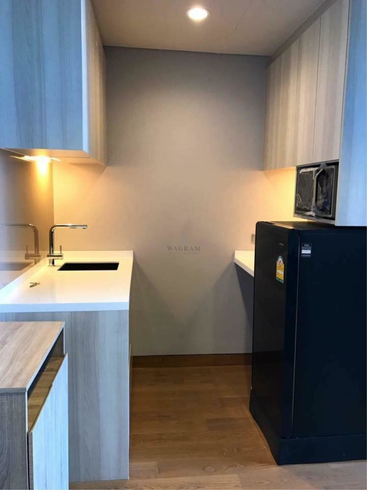 The Lumpini 24 - For Sale 1 Bed Condo in Khlong Toei, Bangkok, Thailand | Ref. TH-LPHIHUSK