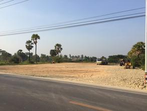 Located in the same area - Mueang Phetchaburi, Phetchaburi