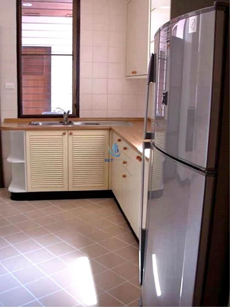 Sriratana Mansion 2 - For Rent 3 Beds Condo Near MRT Sukhumvit, Bangkok, Thailand | Ref. TH-HDAZUOOT