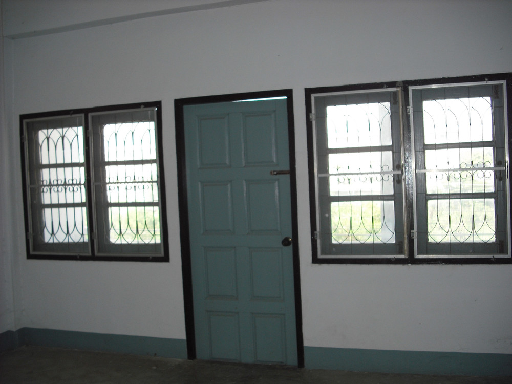 For Sale or Rent 3 Beds Shophouse in Mueang Phitsanulok, Phitsanulok, Thailand | Ref. TH-RSGUYSJF