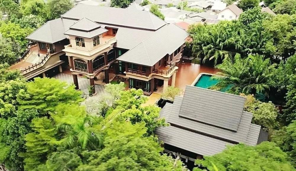 For Sale 5 Beds House in Si Racha, Chonburi, Thailand   Ref. TH-HWQWQPPK