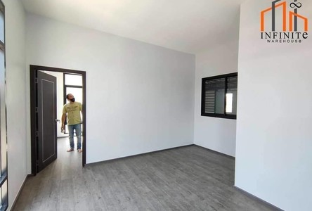 For Sale or Rent Warehouse 300 sqm in Lam Luk Ka, Pathum Thani, Thailand