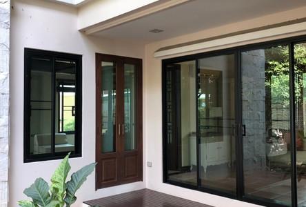 For Rent 4 Beds House in Bang Phlat, Bangkok, Thailand