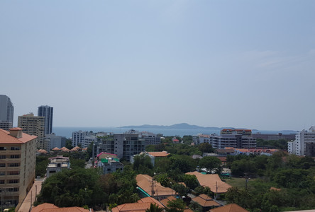 For Sale or Rent Condo 25 sqm in Bang Lamung, Chonburi, Thailand