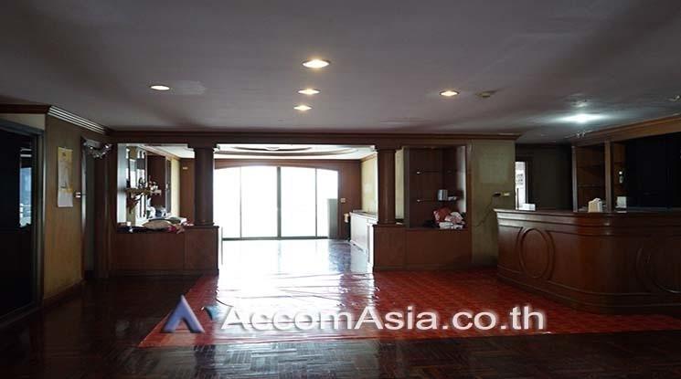 Watthana Heights - Продажа: Кондо с 3 спальнями возле станции MRT Sukhumvit, Bangkok, Таиланд | Ref. TH-UEVHRXQW