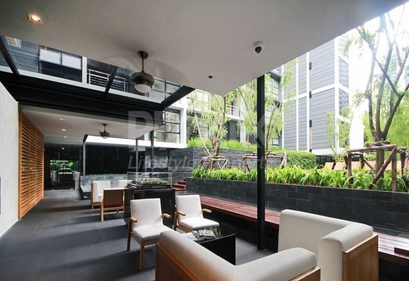 MODE Sukhumvit 61 - Продажа: Кондо c 1 спальней возле станции BTS Ekkamai, Bangkok, Таиланд | Ref. TH-ZDDQPGDW