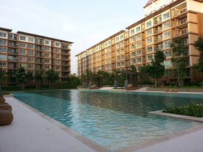 Located in the same building - Baan Thew Lom