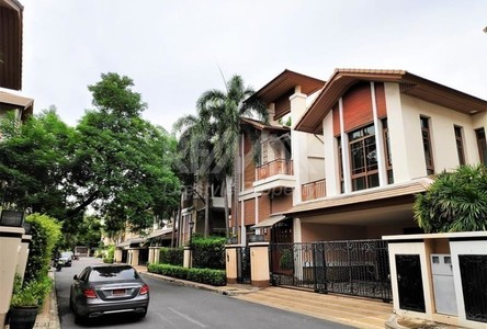 For Rent 4 Beds Condo Near BTS Ratchadamri, Bangkok, Thailand