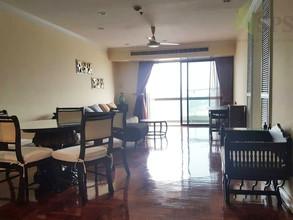 Located in the same building - Salintara