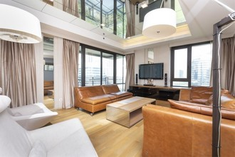 Located in the same building - Prive by Sansiri