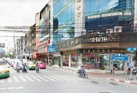 For Rent Retail Space 205 sqm in Watthana, Bangkok, Thailand