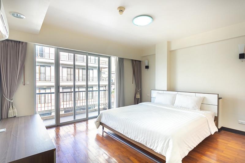 Baan Sukhumvit 14 - В аренду: Кондо с 3 спальнями возле станции BTS Asok, Bangkok, Таиланд | Ref. TH-RWFXDQDW