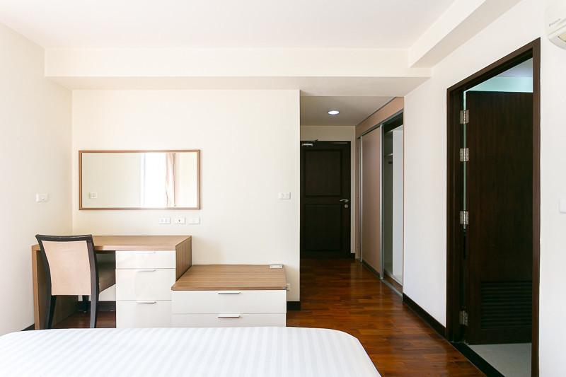 บ้านสุขุมวิท 14 - ให้เช่า คอนโด 2 ห้องนอน ติด BTS อโศก   Ref. TH-DFSCWYDM