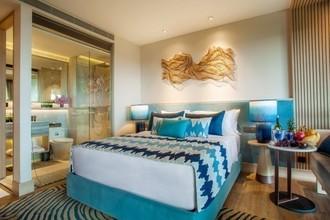 Located in the same building - Laya Resort Phuket