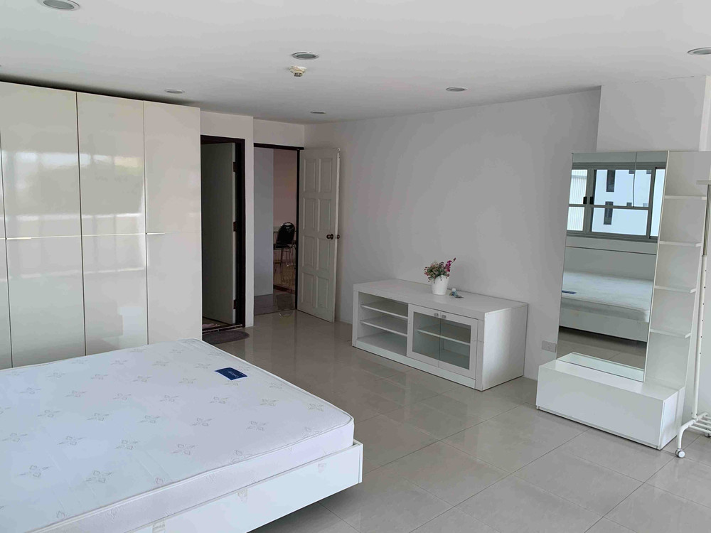 Pikul Place - В аренду: Кондо с 3 спальнями в районе Sathon, Bangkok, Таиланд | Ref. TH-OANCDZZZ