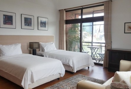 For Sale 5 Beds Condo in Watthana, Bangkok, Thailand