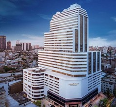 В том же районе - Bang Rak, Bangkok