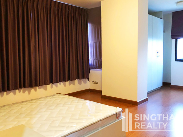 ครอส เคริก - ให้เช่า คอนโด 3 ห้องนอน วัฒนา กรุงเทพฯ | Ref. TH-SYKMYHGA