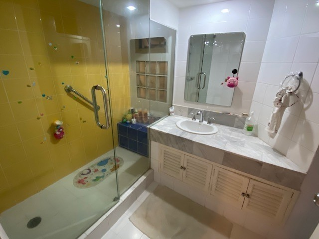 The Garden Place - В аренду: Кондо с 3 спальнями в районе Watthana, Bangkok, Таиланд | Ref. TH-UKIXCAQO