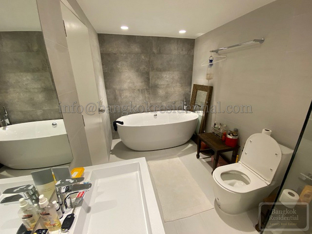 The Garden Place - В аренду: Кондо с 3 спальнями в районе Watthana, Bangkok, Таиланд | Ref. TH-OYWCGWHN
