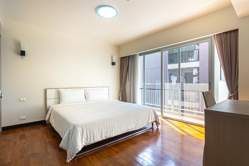 บ้านสุขุมวิท 14 - ให้เช่า คอนโด 2 ห้องนอน ติด BTS อโศก | Ref. TH-TWCSNOGB