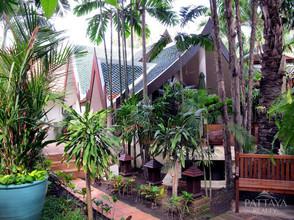 ตั้งอยู่บริเวณพื้นที่เดียวกัน - พัทยา ชลบุรี