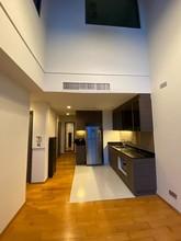 Located in the same building - Keyne