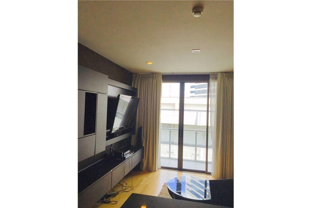 อิสสระ@42 สุขุมวิท - ขาย คอนโด 2 ห้องนอน ติด BTS เอกมัย   Ref. TH-YYXNPOBJ