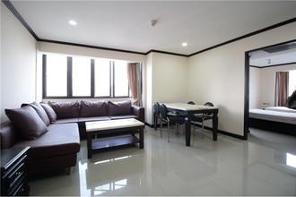 Located in the same area - Omni Tower Sukhumvit Nana
