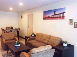 Located in the same area - Charming Resident Sukhumvit 22
