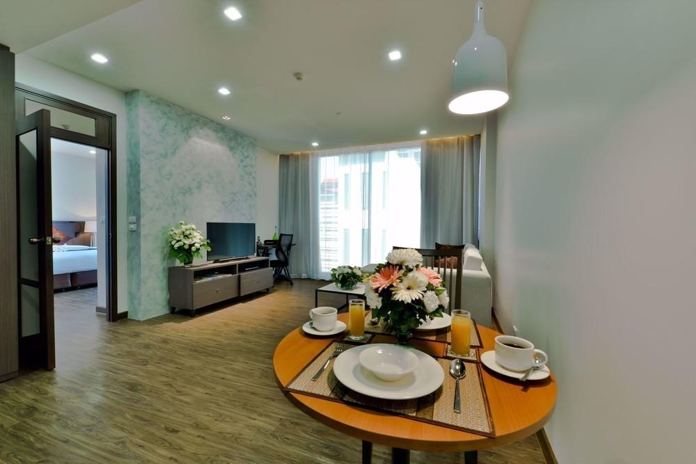 Civic Horizon - В аренду: Кондо c 1 спальней возле станции BTS Ekkamai, Bangkok, Таиланд | Ref. TH-KIYRDMNT