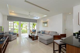 Located in the same area - Ocean Breeze Resort & Suites