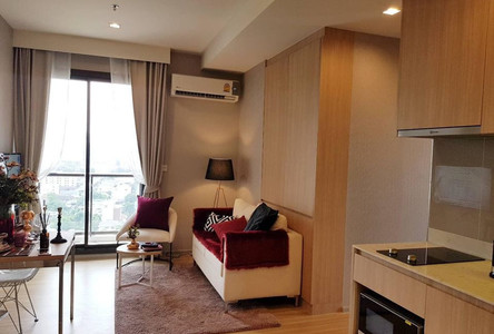 В аренду: Кондо с 2 спальнями возле станции MRT Kamphaeng Phet, Bangkok, Таиланд