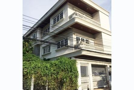Продажа: Дом с 4 спальнями в районе Din Daeng, Bangkok, Таиланд