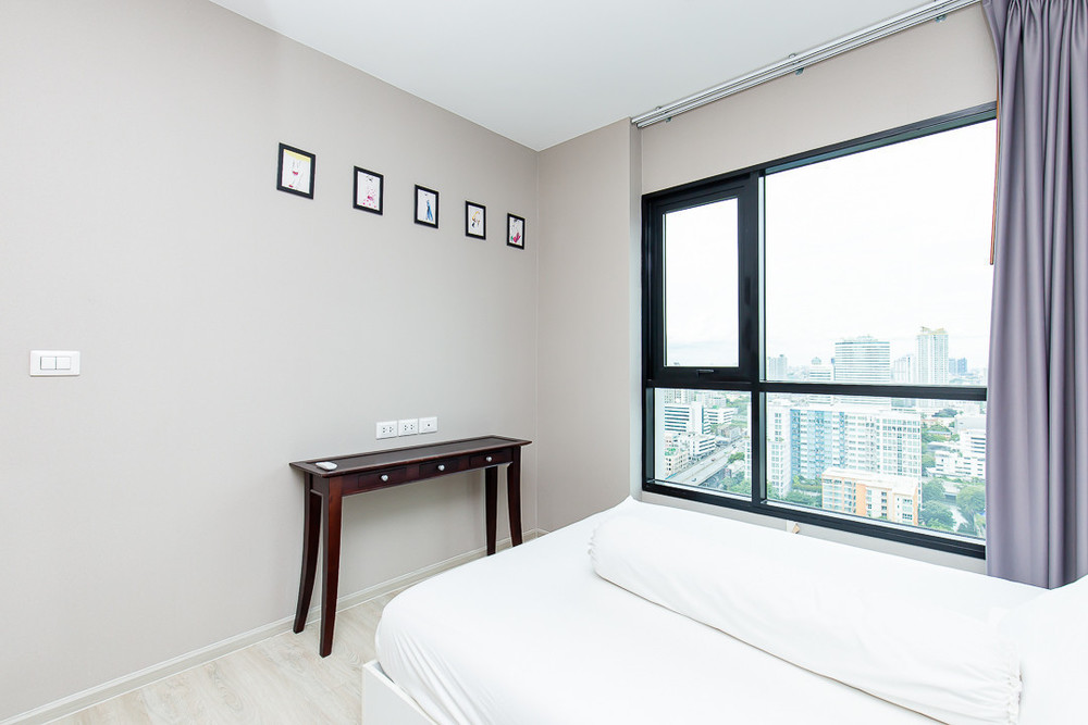 Condolette Midst Rama 9 - For Sale or Rent 1 Bed Condo Near MRT Phetchaburi, Bangkok, Thailand | Ref. TH-HOOUPSXD