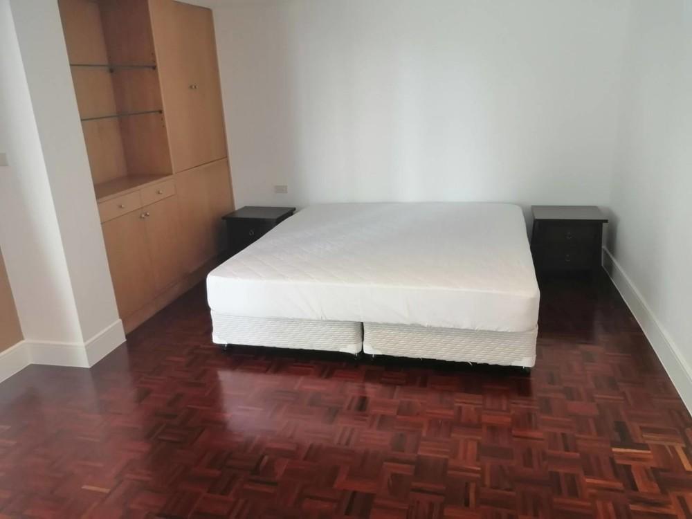 Phirom Garden Residence - For Rent 4 Beds Condo Near BTS Phrom Phong, Bangkok, Thailand | Ref. TH-WVKSHXSY