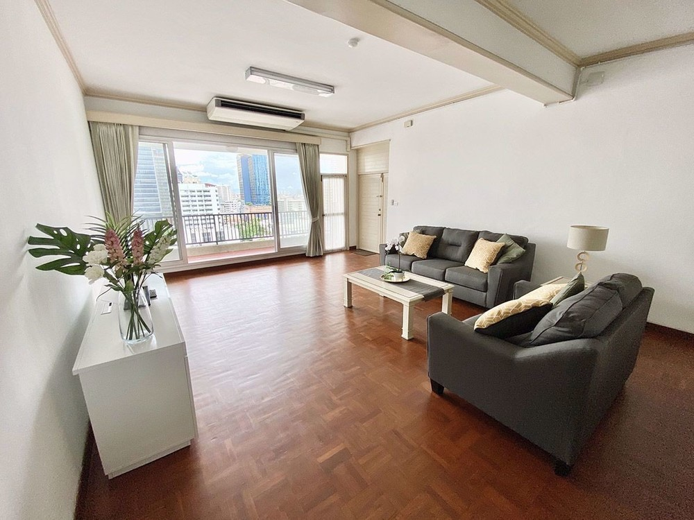 KC Court - For Rent 3 Beds Condo in Watthana, Bangkok, Thailand | Ref. TH-TCLTVRIM
