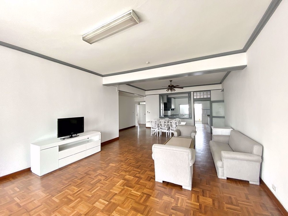 KC Court - For Rent 3 Beds Condo in Watthana, Bangkok, Thailand | Ref. TH-VIEWVITJ