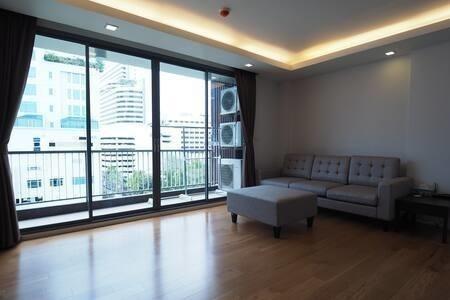 Focus Ploenchit - For Rent 1 Bed Condo Near BTS Phloen Chit, Bangkok, Thailand | Ref. TH-UYFTRZNL