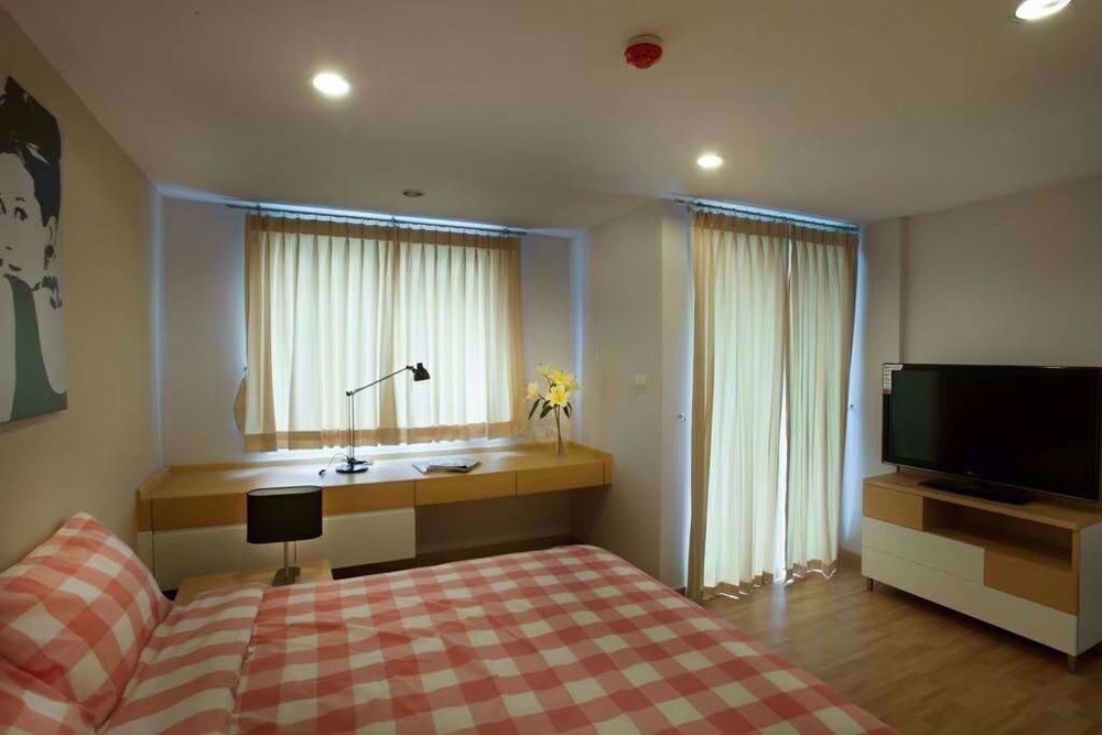 S9 apartment sathorn - В аренду: Кондо с 2 спальнями возле станции BTS Surasak, Bangkok, Таиланд | Ref. TH-NJZKHJYH