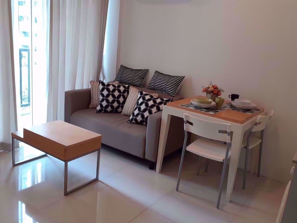 S9 apartment sathorn - В аренду: Кондо c 1 спальней возле станции BTS Surasak, Bangkok, Таиланд | Ref. TH-VJCBHKOZ