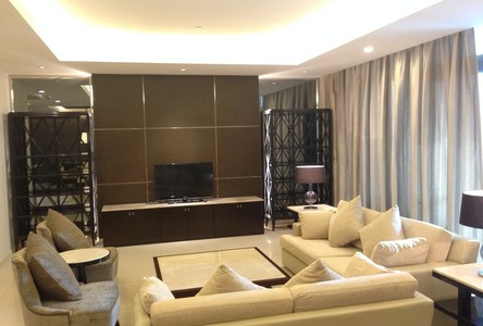 В аренду: Кондо с 3 спальнями возле станции BTS Thong Lo, Bangkok, Таиланд